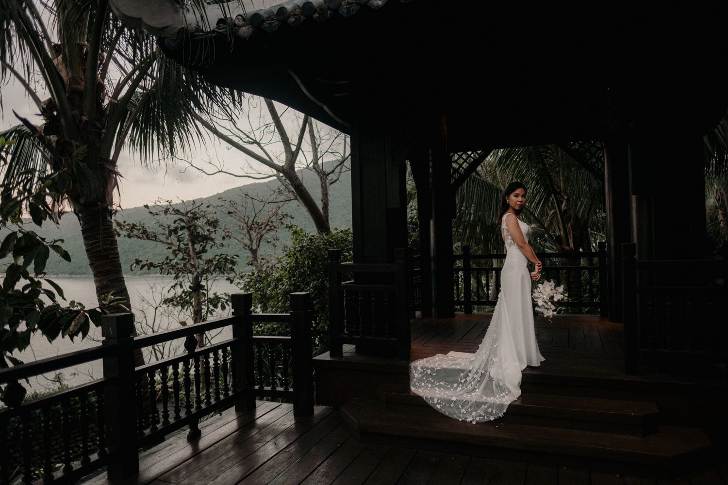 Vietnam Destination Wedding Photographer Stuart Dudleston Photography Intercontinental DaNang BaoviJohn 45